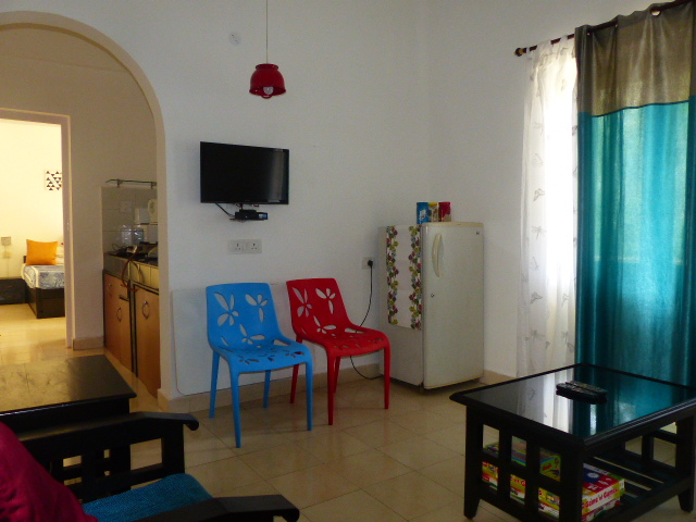 Laze- Quiet living room