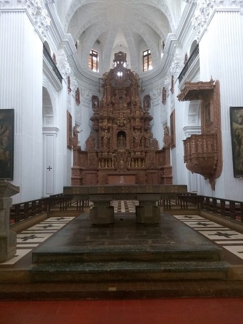 Raised altar at St. Cajetan, Old Goa