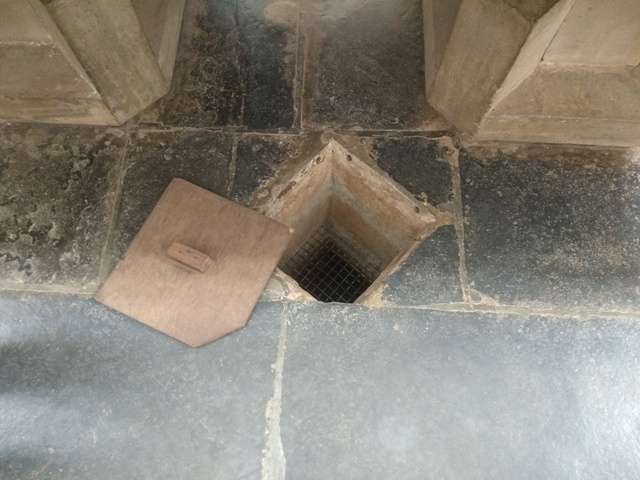 The well beneath the altar at St. Cajetan, Old Goa